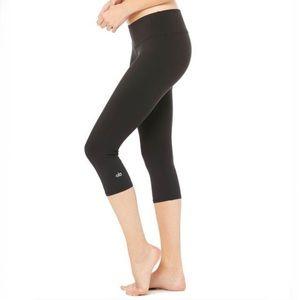 Alo Yoga Crop Capri Leggings Black